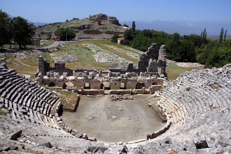 tlos-antik-kentinde-tiyatro-ve-akropol-surlari-ayaga-kalkacak